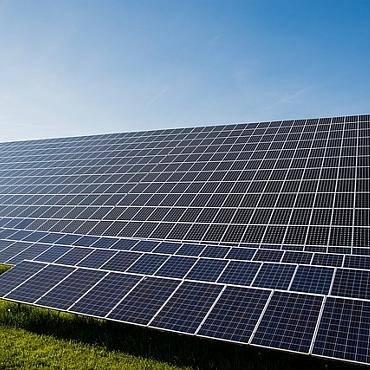 La industria solar europea sigue avanzando imparable: es necesario que Bruselas anule la ley 'antidumping' de paneles chinos