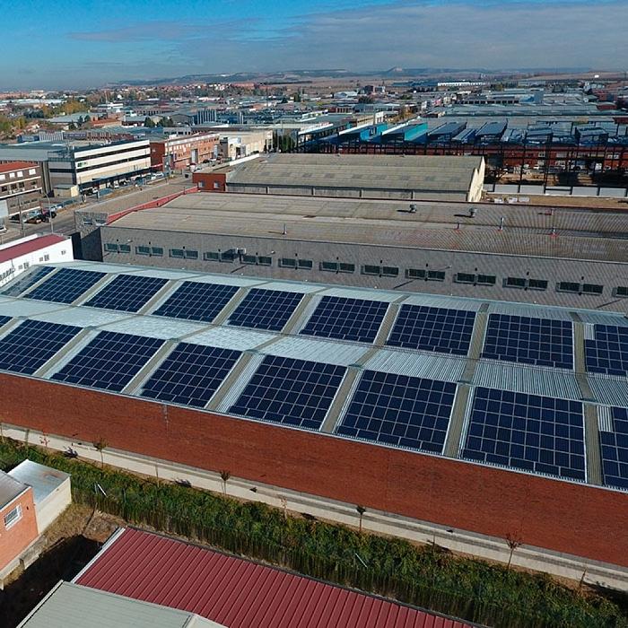 Mantenimiento de instalaciones solares fotovoltaicas en cubierta