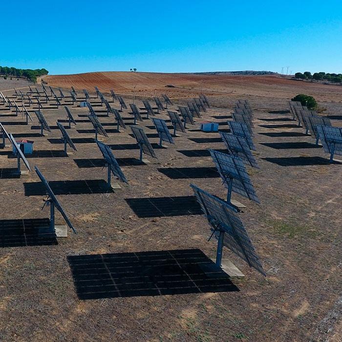 Mantenimiento de instalaciones solares fotovoltaicas mediante seguidor