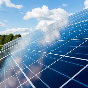 El sector fotovoltaico español prevé inversiones de hasta 5.000 millones de euros de aquí a 2020.