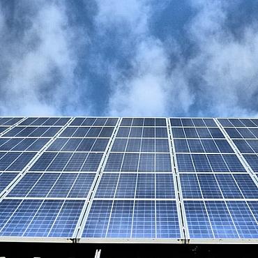 Europa da el sí quiero a las renovables: aumenta el objetivo al 32% para 2030 y el autoconsumo, sin 'impuesto al sol' con menos de 25 kW