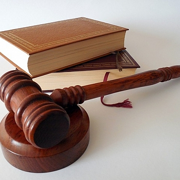 Los tres fundamentos en los que el Tribunal Constitucional se basa para decir que el RDL 9/2013 no incurre en retroactividad prohibida.